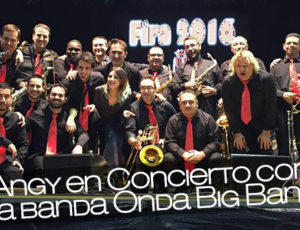 Angy en Concierto con la banda Onda Big Band
